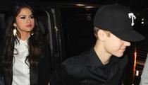Selena Gomez & Justin Bieber -- Hand-in-Hand
