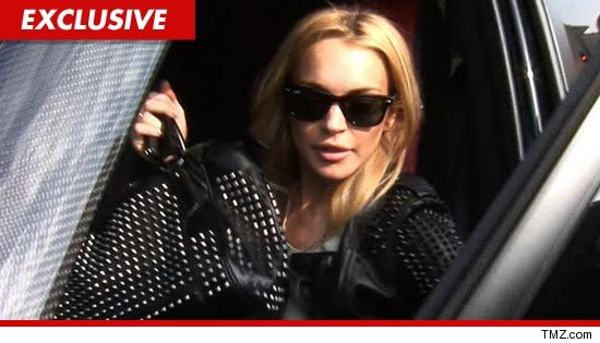 1106-lindsay-lohan-tmz-EX