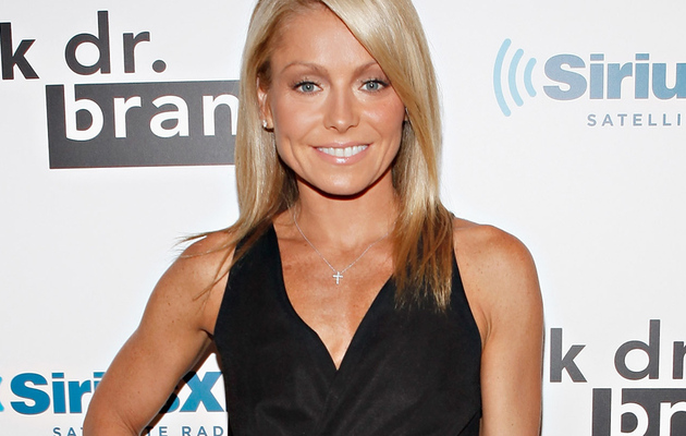 "Kelly Ripa Gets Five More Years of ""Live!"""