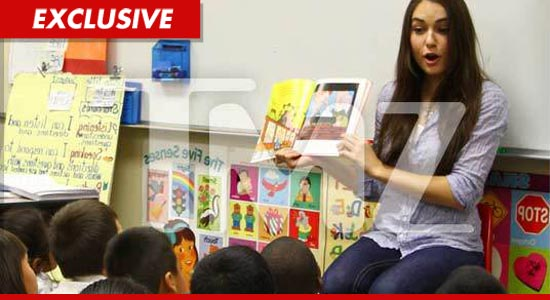 Sasha Grey reads to students