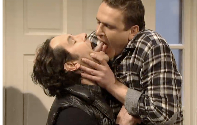 Jason Segel Makes Out with Paul Rudd on SNL