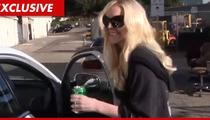 Lindsay Lohan -- Killin' It at Morgue Duty