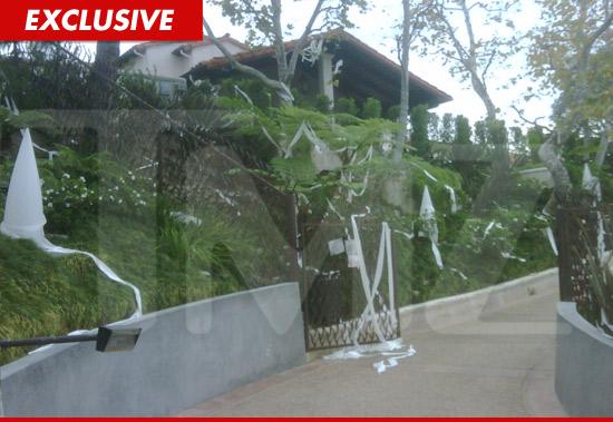 Seth MacFarlanes House Toilet Papered