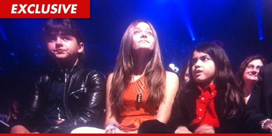 Crianças no  Tributo Michael Jackson No 'X Factor 1130-jackson-x-factor-ex-2
