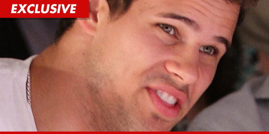 Kris Humphries cannot handle divorce