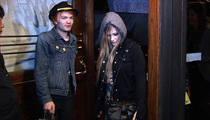 Avril Lavigne Reunites with Ex-Hubby Deryck Whibley... for Pasta