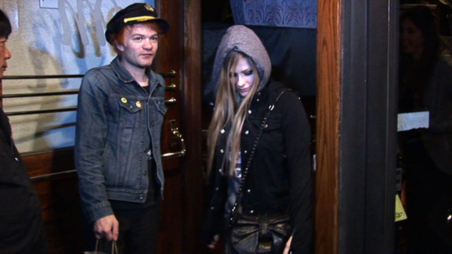 1202_avril_lavigne_video