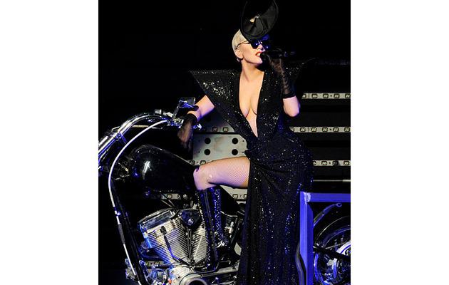 """Lady Gaga Sings """"White KISSmas"""" -- Watch the Performance!"""