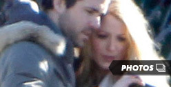 Ryan Reynolds &amp; Blake Lively -- Connected at the Mouth [Photos]