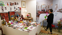 Michael Jackson Fans Turn Death House Auction into Shrine
