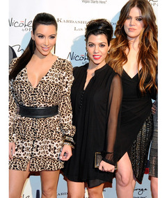 Fans Go Absolutely Nuts for Kardashians in Las Vegas