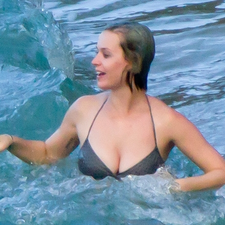 Katy Perry bikini photos