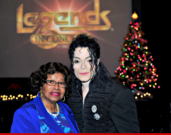 Katherine Jackson with a Michael Jackson impersonator