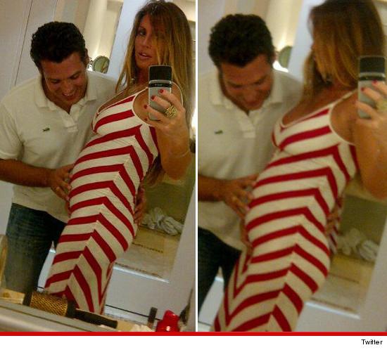 Rachel Uchitel pregnant