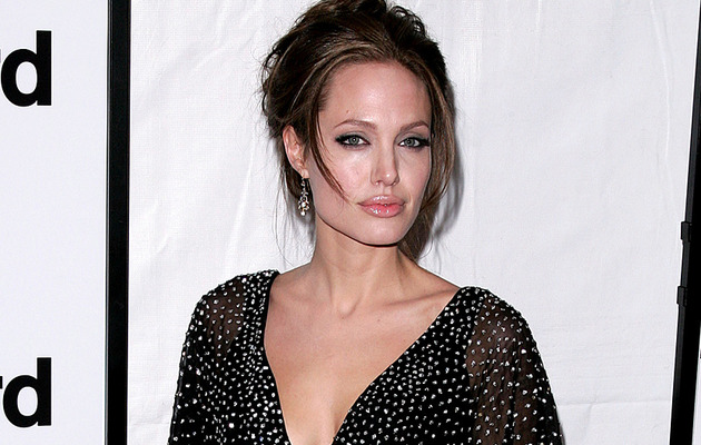 Angelina Jolie Look-alike Takes Web By Storm -- See The Resemblance!