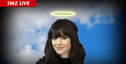 Zooey Deschanel -- Thriftiest Celeb EVER