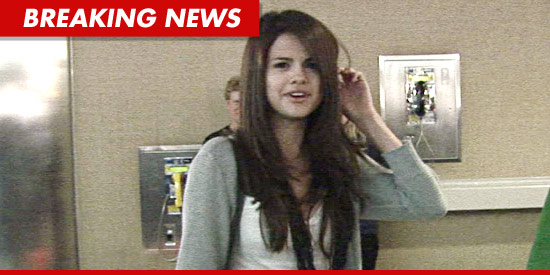 Selena Gomez no makeup