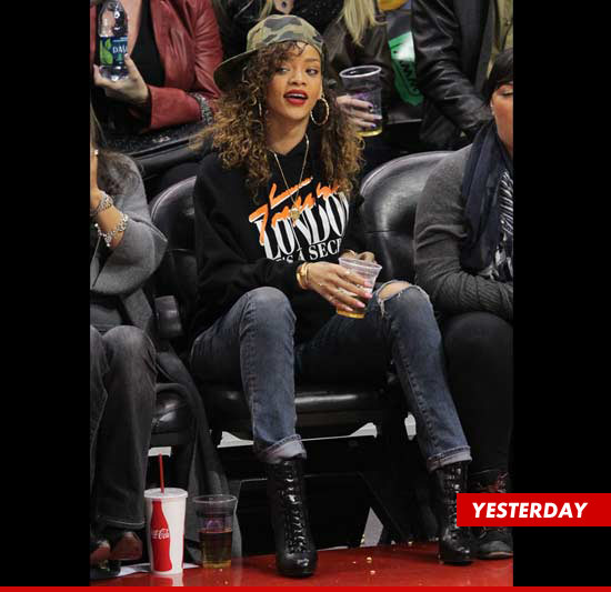 Rihanna front row at the L.A. Clippers game