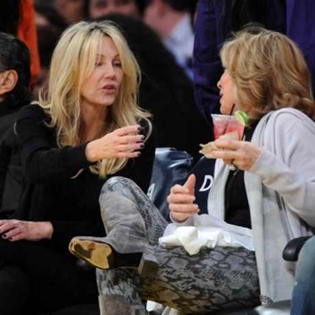 Heather Locklear Drinking Lakers Game Photos