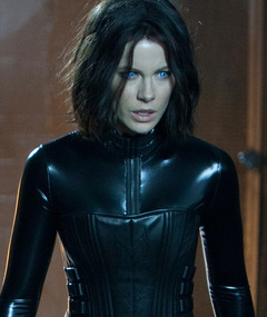 "Is Kate Beckinsale's ""Selene"" the Hottest Vampire Ever?"