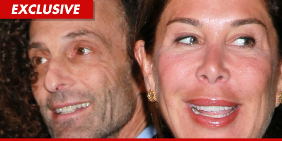 Kenny G and his wife Lyndie Benson-Gorelick