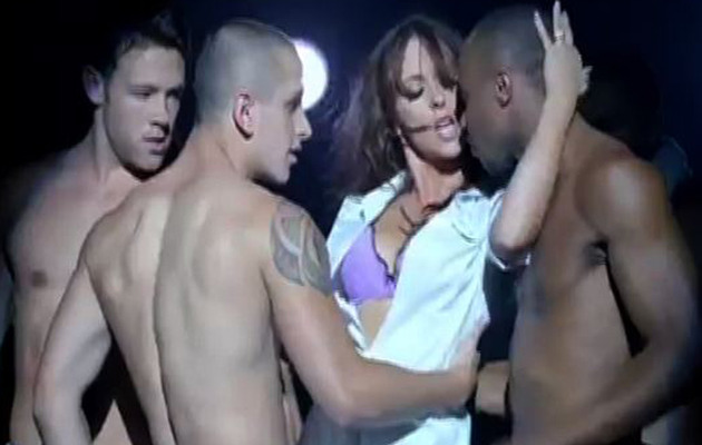 Jennifer Love Hewitt Strips & Sings for Hooker TV Show