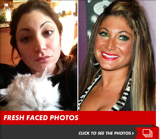 Deena no makeup