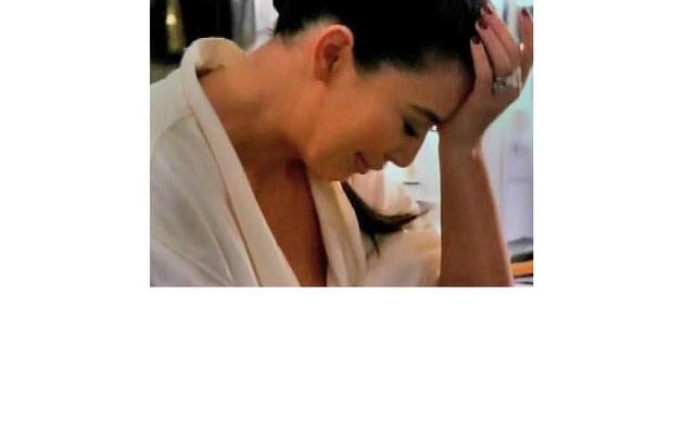Kim Kardashian Has Another Breakdown in Show Finale