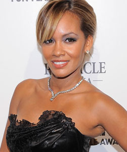 """Basketball Wives"" Evelyn Lozada: ""My Abs Are Real!"""