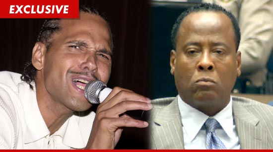 [IMG]http://ll-media.tmz.com/2012/02/03/0203-james-debarge-conrad-murray-ex.jpg[/IMG]