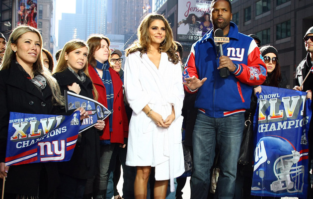 Maria Menounos Loses Super Bowl Bet -- Bares Bod in Giants Bikini