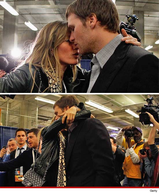 Gisele Bundchen comforts Tom Brady at the Super Bowl