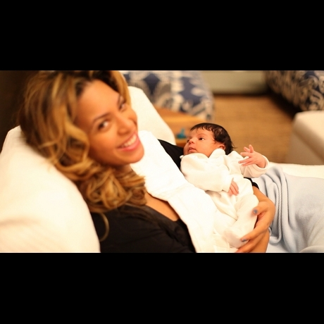Beyonce Jay Z Baby Pics Blue Ivy Carter