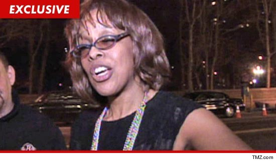 0211_gayle_king_tmz_EX