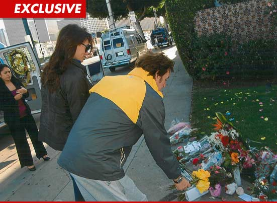 Paul McCartney -- Pays Respects to WHITNEY HOUSTON