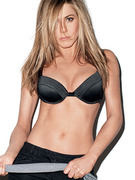 Jennifer Aniston Strips for GQ, Talks Pitt Split &amp; Pregnancy Rumors