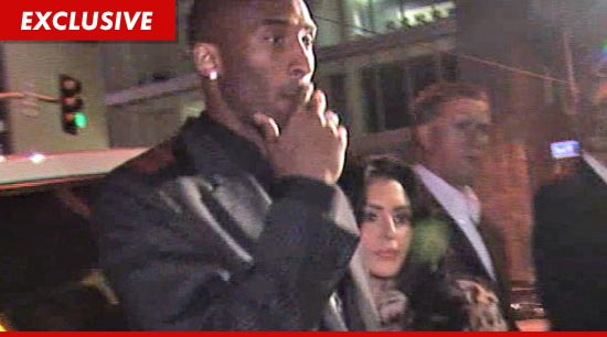 Kobe Bryant is making a full court press to save his marriage.