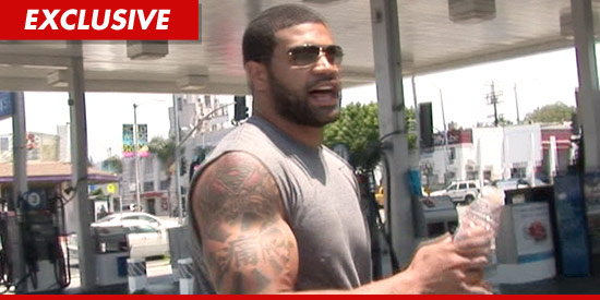 Buffalo Bills linebacker Shawne Merriman came face to face with police in ...