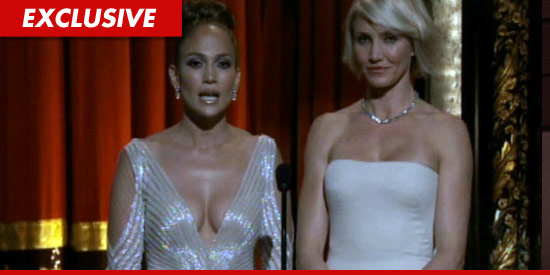 0227_jlo_jennifer_lopez_nipple_ex