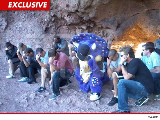Colorado Rockies mascot tebowing