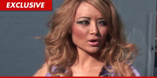 0306_tila-tequila_TMZ_EX