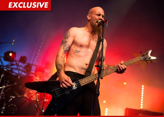 Queens of the Stone Age bassist Nick Oliveri insists he...