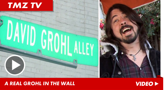 030812_grohl_sitll