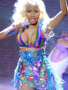 "Nicki Minaj Busts Out on ""American Idol"""
