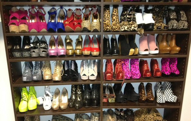 Snooki Flaunts Tacky Shoe Collection on Twitter