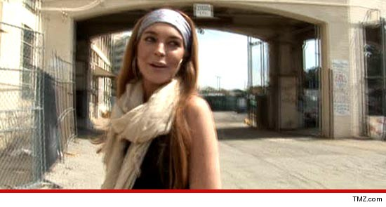 Lindsay Lohan is adamant -- she didn't fight with anyone inside a nightclub