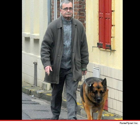 Philippe Loret, the grandson of Hitler, and his dog