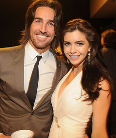 Video: Country Singer Jake Owen Proposes to Lacey Buchanan On Stage!