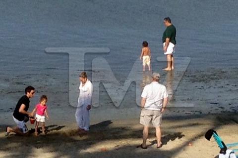 Jennifer Lopez Casper Smart Rented Beach Easter
