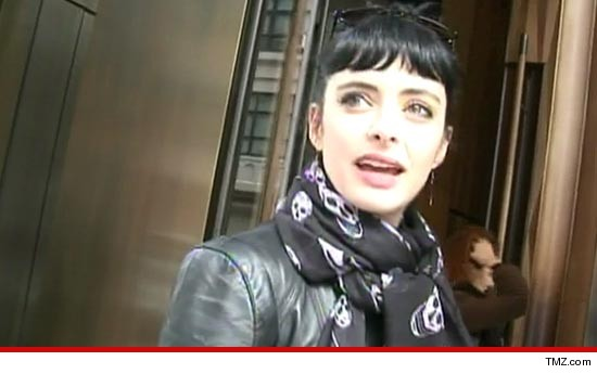 0414_Krysten_Ritter_tmz_flight